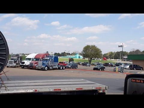 Trucker Tuesday Chilling In Shreveport, LA