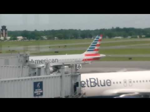 Plane Potting at albany airport June. 757 touch-and-go