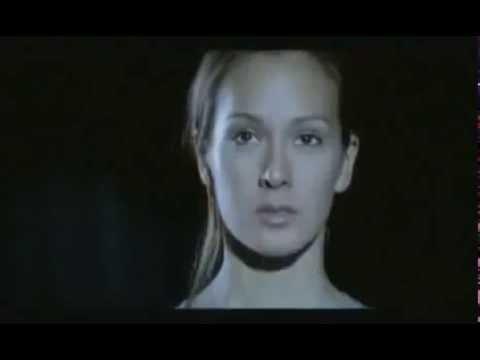 Красивый ролик о страхе женщины