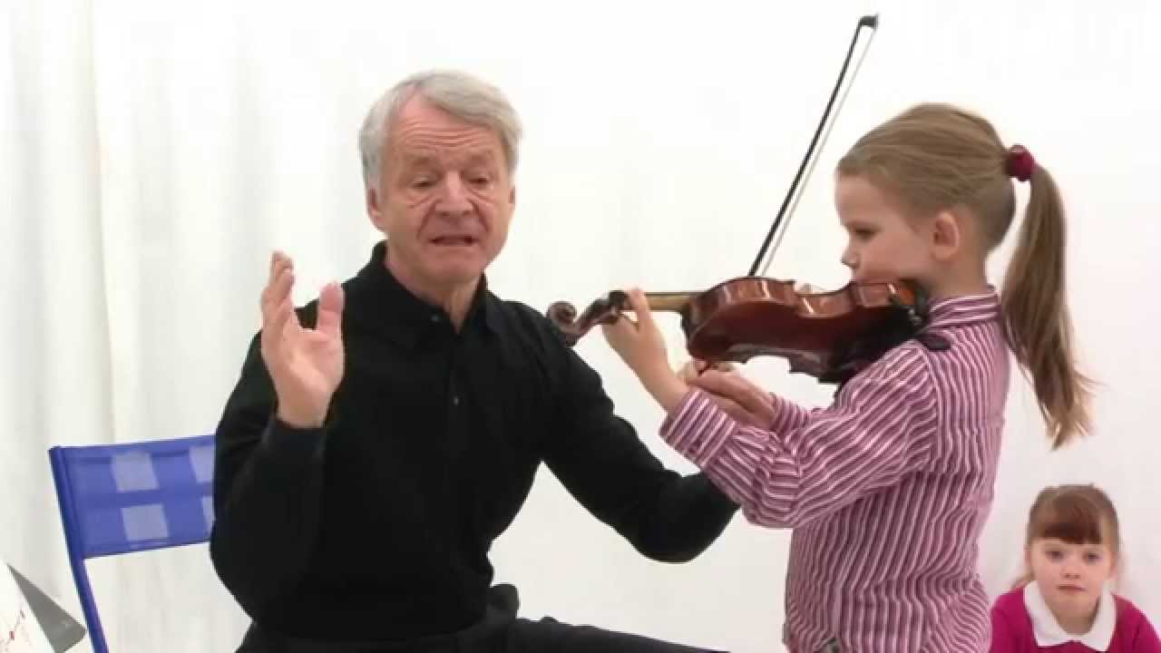 Summary of the Int. Minifiddlers Colourstrings lesson 19A / 1st year
