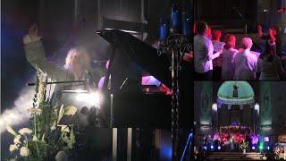 "Bradfield :: ""O Sanctissima"" & ""Ave Maria"" avec chorale (en direct)"