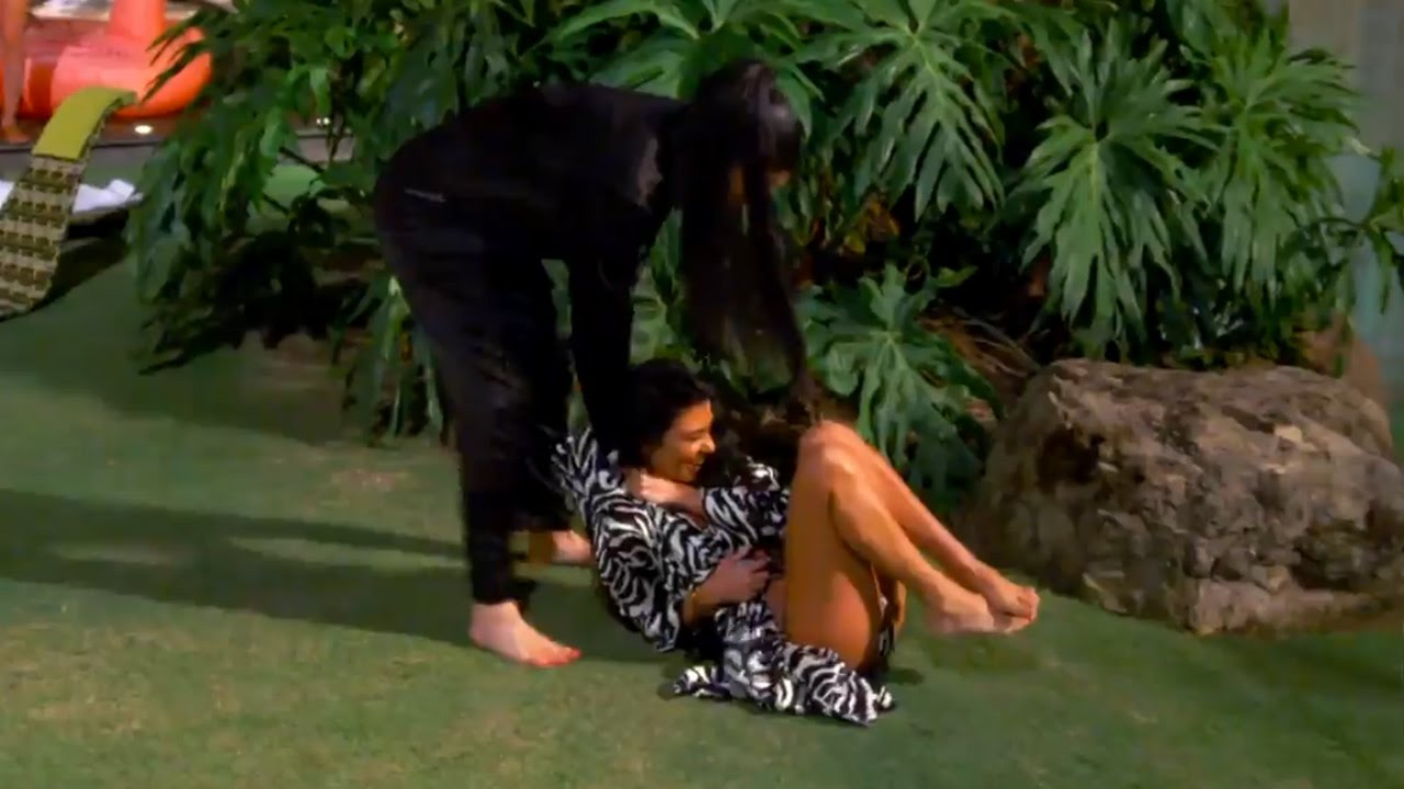 Kylie Jenner Gets PUNCHED in the Boob During Play Fight with Kourtney Kardashian