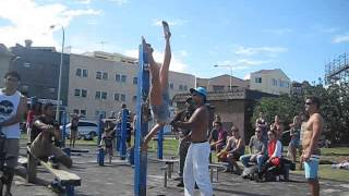 Female Street Workout & pull-up comp @ Bondi Beach