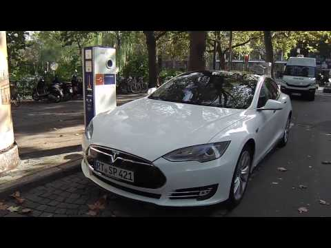 Aufladen in Stuttgart (Tesla Model S)
