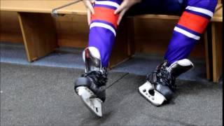С чего начинает одеваться хоккеист?!