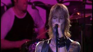 Watch Duff Mckagan 10 Years video