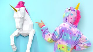 Slime Sam and his friend Sue LOVE unicorns. They're even having a u...