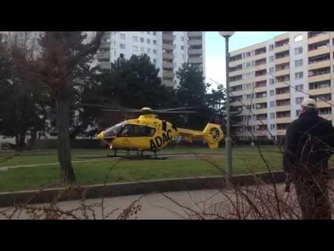 ADAC Hubschrauber Christoph 31 Abflug aus der Gropiusstadt in Berlin Neukölln