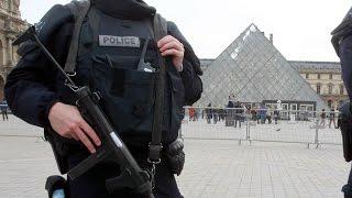 بالفيديو.. العثور على السيارة المستخدمة في تفجيرات باريس