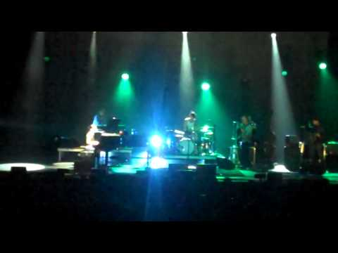 Fiona Apple in Mesa, AZ - Not About Love