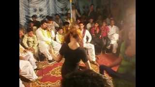 Hot mujra on aj khol dy ang ang mera way Malik Qaiser Wedding wth malik AAmir.AVI