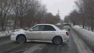 【自動車】インプが氷上で魅せた華麗なる360度ターン!