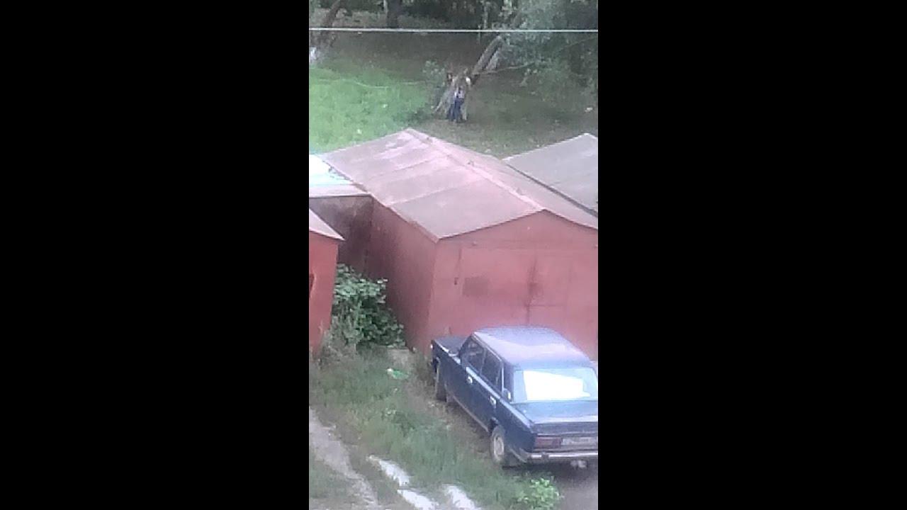 seks-za-garazhami-video