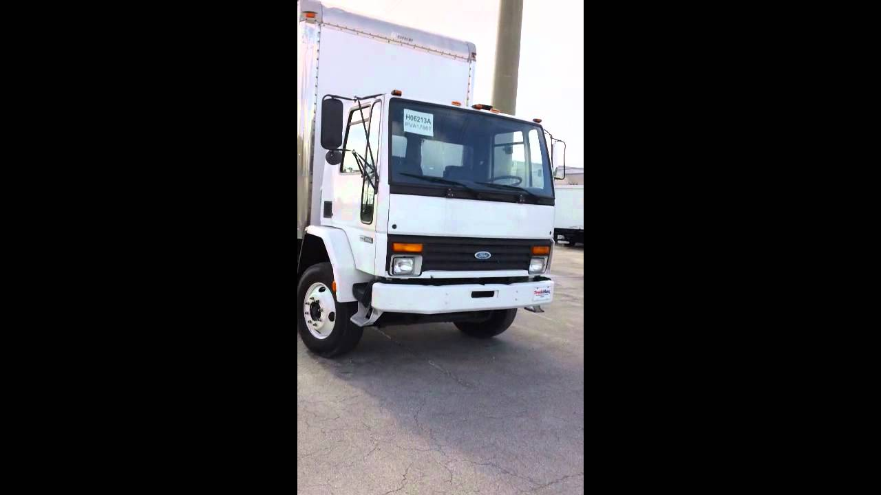 hight resolution of dry box truck