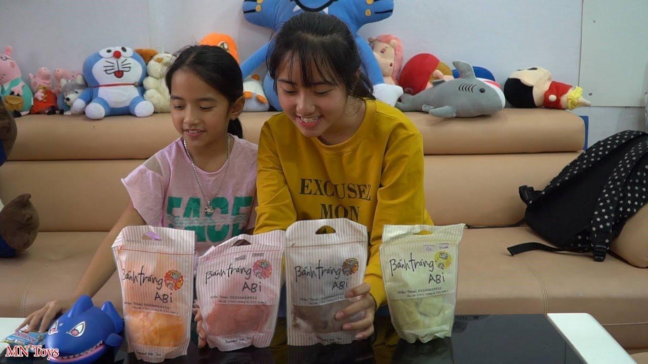 Hai Chị Em - Em Gái Ngoan Chờ Chị Về Cùng Ăn Bánh Tráng Abi - MN Toys