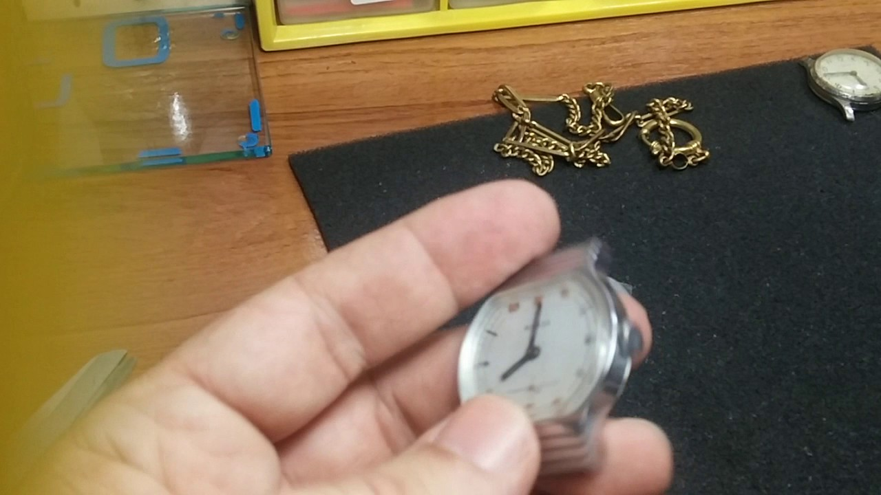 17fcffb47 Como quitar a un reloj los arañazos del cristal plexi con limpiador de  vitrocerámica. 3ª Parte