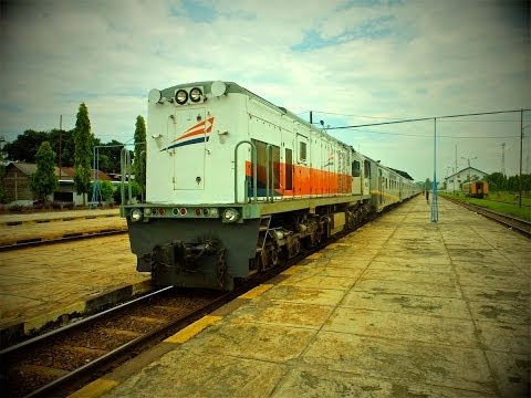 Train travel in Indonesia: From Jakarta to Jogja with Economy Class