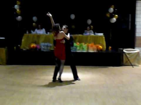 Abrazame. DANCE