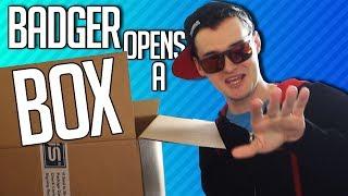 BADGER OPENS A BOX | ASUS ROG G752VS Gaming Laptop thumbnail