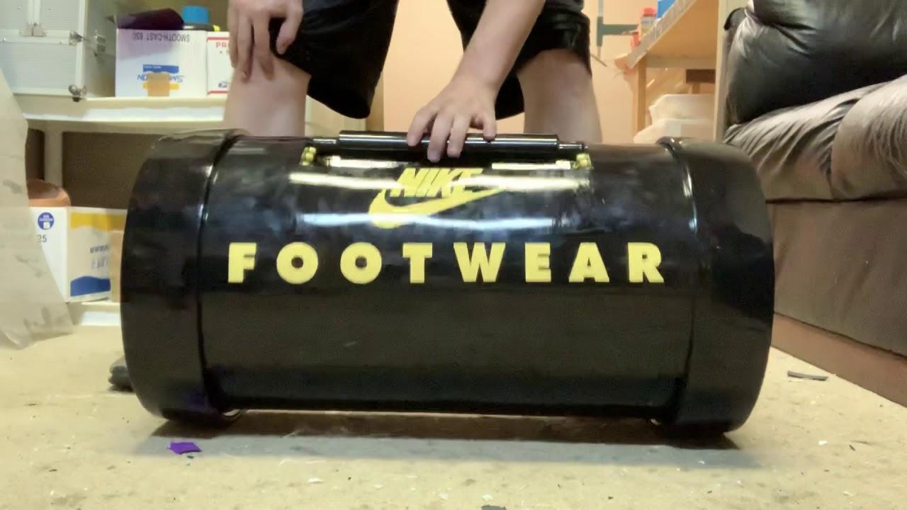 amenazar Capataz Estrella  Back to the future 2 Nike footwear bag replica - YouTube