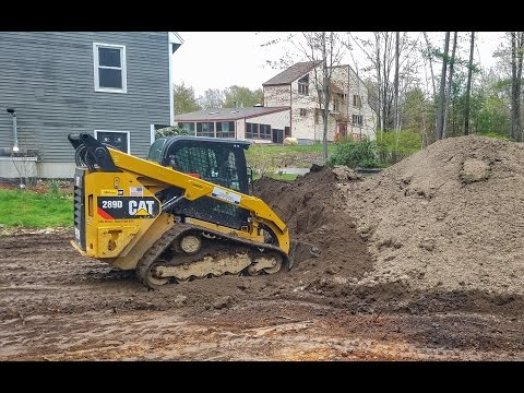 How To: Spreading Top Soil With A Skidsteer