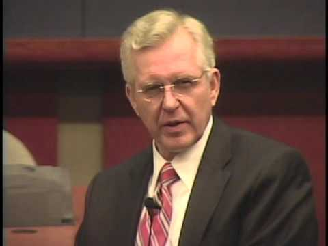 Lives in the Law   D. Todd Christofferson '72