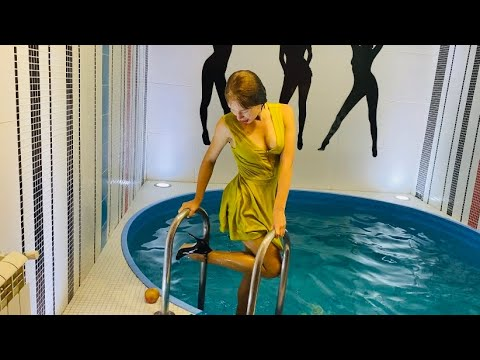 WETLOOK IN POOL / GET WET WITH HEELS / RIPPING PANTYHOSE / FULLY CLOTHED / ВЕТЛУК В БАССЕЙНЕ