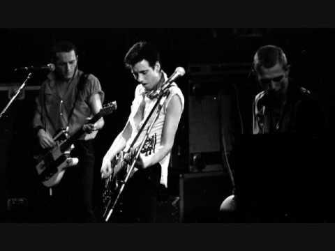 I'm not down - The Clash (long version)