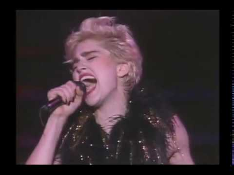 12. Where's The Party - Madonna - Who's That Girl Tour - Live In Japan