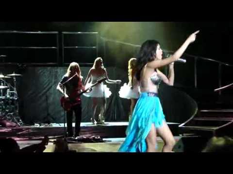Selena Gomez -(live) consert.mp4