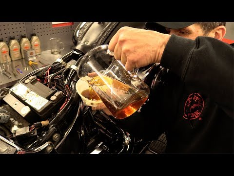 Delboy's Garage, Harley Softail Service #5, 'Full Purge' Oil Change.