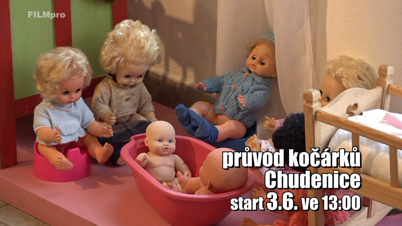 Video Největší průvod kočárků na panenky