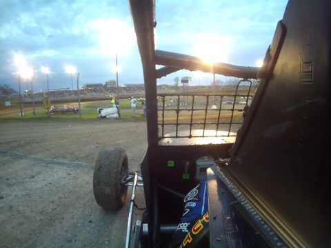Tony Rost USAC Wingless Sprint Car Qualifying @ Eagle Raceway - first time in a wingless sprint car