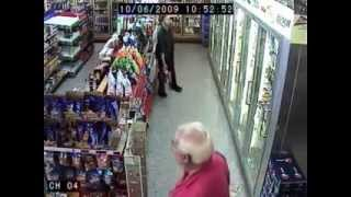 Drunk man in a shop // Un homme saoul dans un magasin