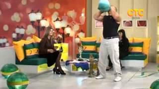 Николай Иов - чемпион мира, силой рвёт грелки