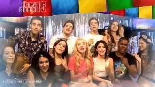 Главные герои сериала поют песню