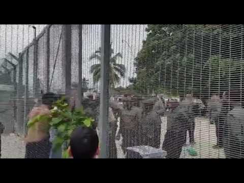 Detainees Clash With Security in Manus Island Compound Over Inadequate Rations
