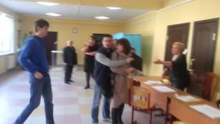 A vrut să bage mai multe buletine de vot false (ru)