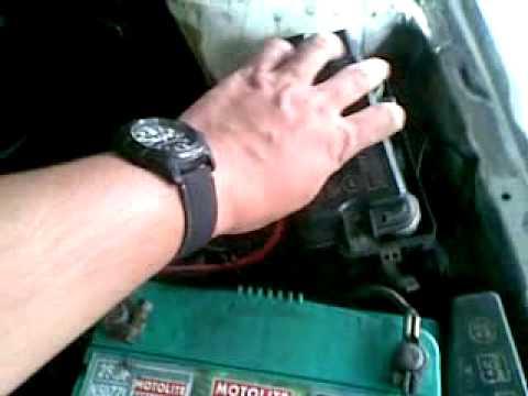 Big Fuse Box of Toyota Corolla XL 90 2E Engine - YouTube