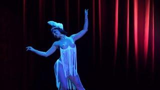 08 Honey Hula La   Flapper - Cirque Du Burlesque Oct 2013