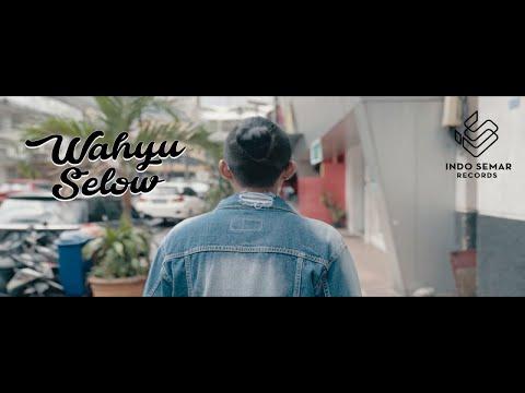 Wahyu Selow - Kamu Gila (Official Music Video)
