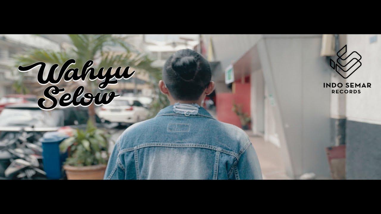 Download Wahyu Selow - Kamu Gila (Official Music Video)