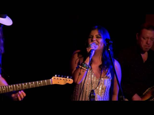 Crystal Shawanda - Wang Dang Doodle - Live Hugh's Room 2016