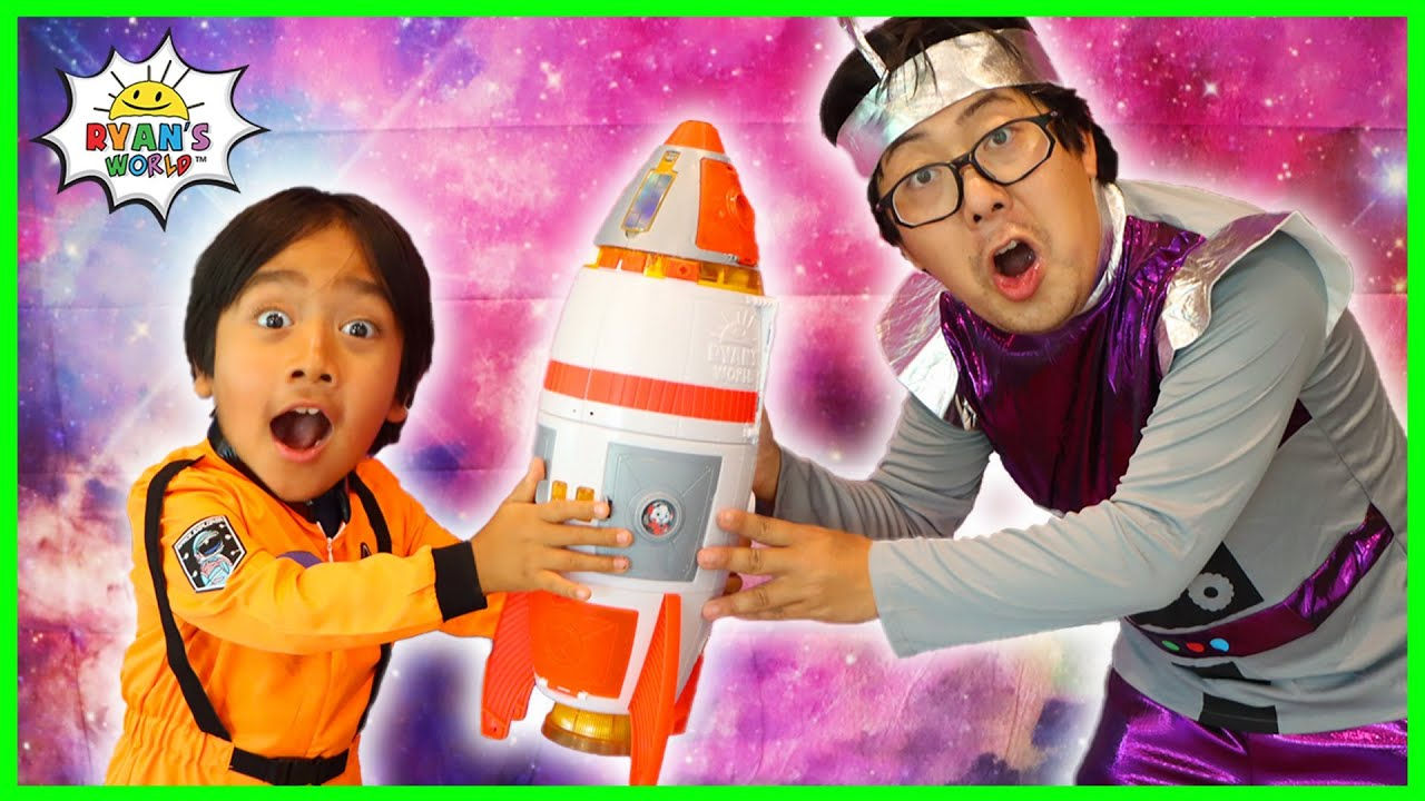 Astronaut Ryan Launched a rocket to Space Pretend Play!