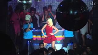 Gambar cover Gisele Barbaresco - Ooh La La (Britney Spears Cover) @ Wallpaper Rio de Janeiro - Pheeno TV