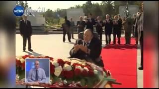 الرئيس بوتفليقة يترحم على أرواح الشهداء بمقبرة العالية -صور التلفزيون الجزائري-