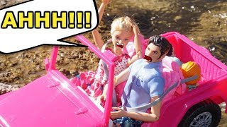 BARBIE & LOL SURPRISE Dolls Go Camping And Boating!
