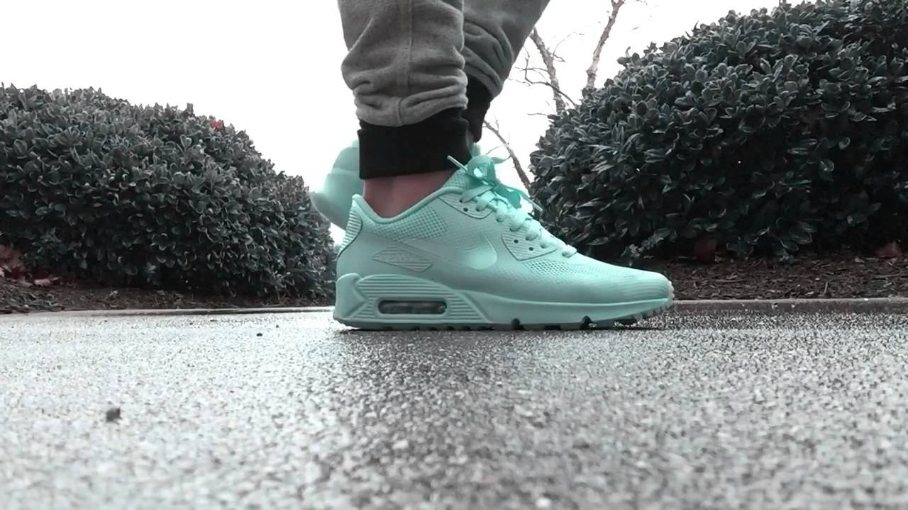 detailing c6079 667d6 Nike Air Max 90 HYP - YouTube