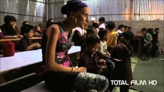 FULMAYA, DĚVČÁTKO S TENKÝMA NOHAMA (2013) CZ HD trailer
