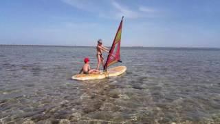 1 урок серфинга Мирославы и Давида. Египет 2016